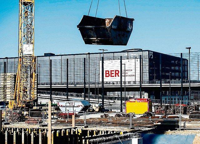 Es ist geschafft. Die Pleite mit dem Flughafen Berlin BER ist zur größten Pleite in der Geschichte der gescheiterten Bauvorhaben aufgestiegen. Damit hat Deutschland den Senegal abgelöst. Doch das i…