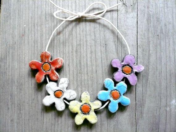 perle fiore - piccoli fiori ceramica - piccoli fiori raku - perline raku primavera - perline primavera - perline ceramica - perline raku