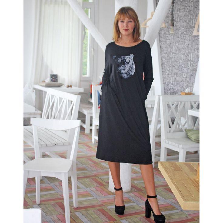 Черное платье с длинным рукавом. Вышитое асимметричное платье @yasen_svit @yasensvit_anna @yasensvit_elis @yasensvit_darina 💰ЦЕНЫ и ЗАКАЗ ☛https://www.livemaster.ru/yasensvit https://www.etsy.com/shop/FashionByJulia https://www.etsy.com/shop/MagicFashionStudio ☎ WhatsApp. Viber +380 96 064 16 04 📧 podvysotskayaNP@gmail.com ✈Доставка по всему миру 💲возможна оплата PayPal   #вишиванка #вышитоеплатье #дизайнерскаяодежда #деньвишиванки #вышиванка #неделямоды #свадебноеплатье…