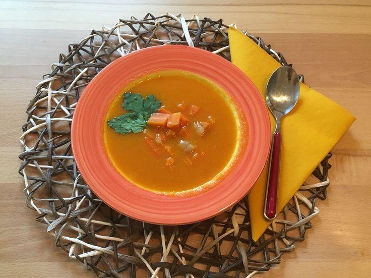 Ingwer und Orangensaft geben dieser leichten und bekömmlichen Suppe den richtigen Pfiff!