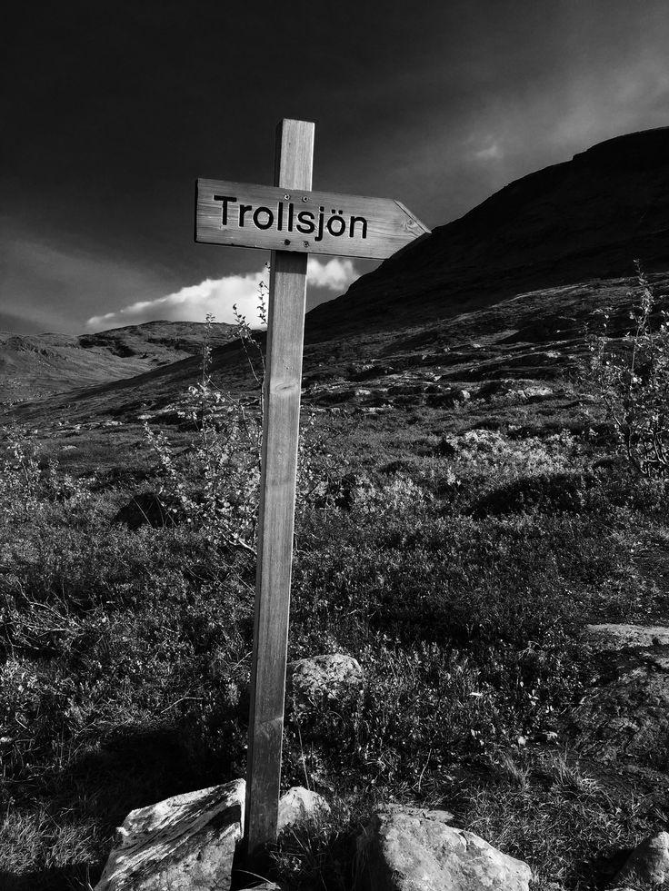 The path to Trollsjön.