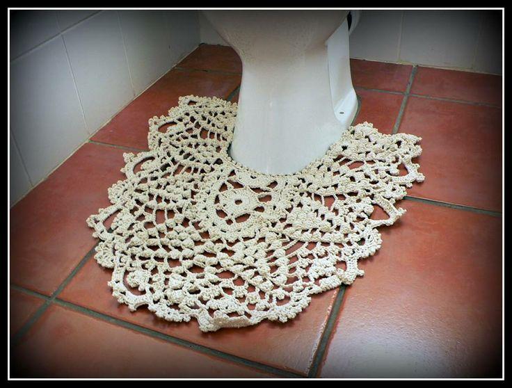Crocheted toilet mat