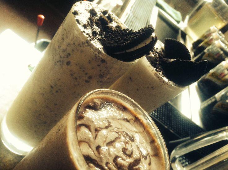 #cookiesandcream #drink #ribsandbierco #kelapagading