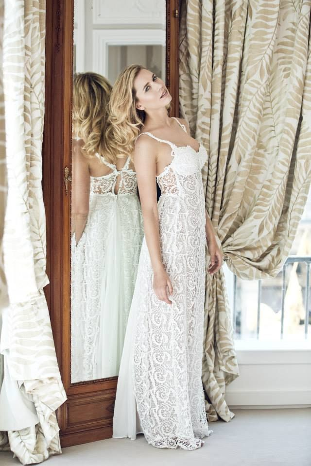 Simple, chic and romantic wedding dress by Anahid Sinsek Couture, Paris. Laces and embroidery