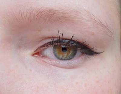 Review: Essence Superfine eyeliner pen - BeautyLook by Kaylee