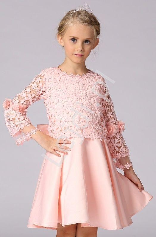 a5f40fa5cb Satynowa różowa sukienka dla dziewczyki z koronkową górą i długim rękawem