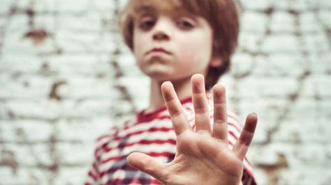 Leer je kind weerbaar worden met deze 5 oefeningen uit de Rots & Water methode.