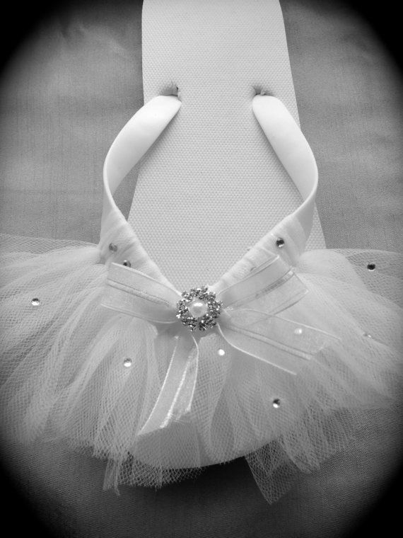 Wedding Flip Flops Bride/ Bridal Party Flip Flops / White Custom Made