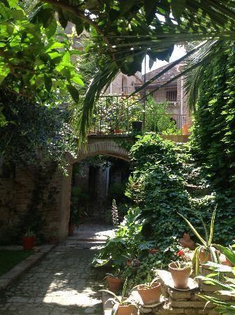 La Vieille Demeure, Perpignan, France