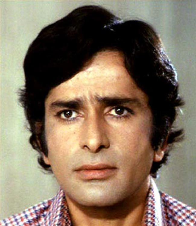 Shashi KapoorPersonal Profile Real Name: Shashi Kapoor  Nickname: Shashi  Profession: Actress  Age: 80 Years  Date of Birth: 18 March 1938  Birth Place: Kapoor was born 18 March 1938 Age 80 Years in Calcutta, British India  Ethnicity: Asian/Indian  Star Sign / Zodiac Sign: N/A  School: Not Known  College / University: Not Known  Educational Qualification: Not Known  Nationality:   #age #Biography #family #House #Shashi Kapoor Height #Weight #Wife #wiki