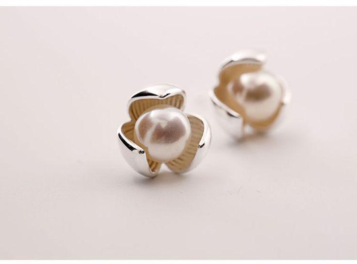 Perlenohrringe - 925 Silber Ohrstecker blume Perle Ohrringe silber - ein Designerstück von TO_Design bei DaWanda