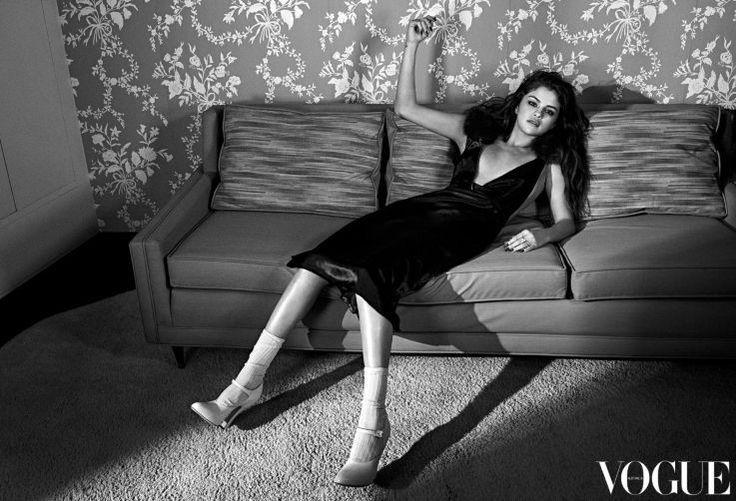 Um Raio De Sol Na Água Fria : Selena Gomez For Vogue Australia