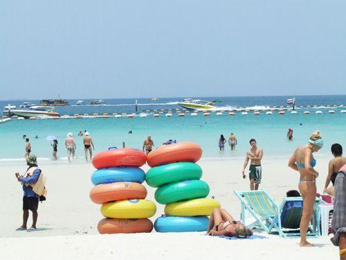 Dunk Island Holidays: Half Day Pattaya Coral Island Tour (Koh Larn) With Lunch