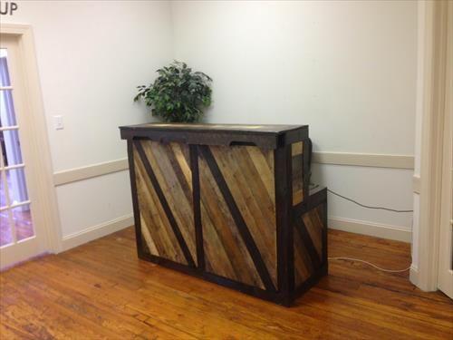 17 best images about pallet reception desks on pinterest for Most amazing furniture design