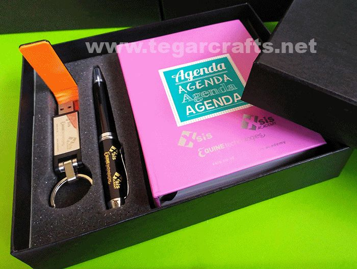 A custom gift set contains of blocknote, metal pens and leather USB flashdrive in a deluxe box that made specially. Ordered by business group: PT Equine Technologies, PT Xsis Mitra Utama, Xsis Academy, PT Optima Data Internasional, Jakarta Indonesia