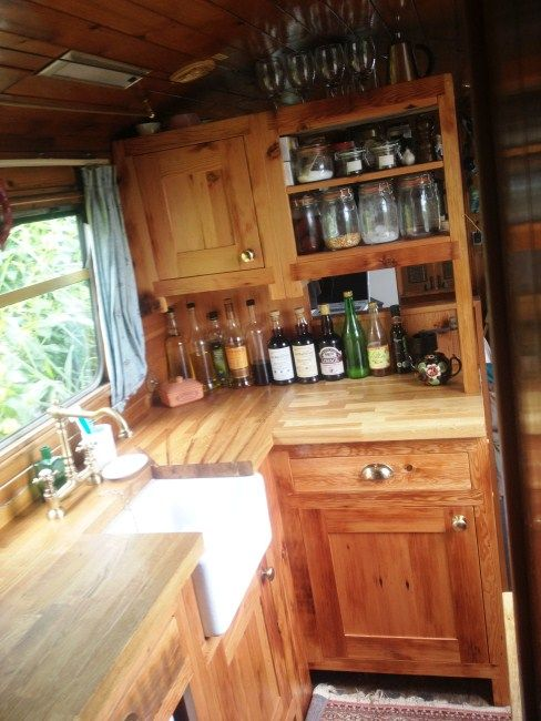 Kitchen Design 4   Narrowboat kitchen   Reclaimed Wood Kitchens   Furniture. Top 25  best Solid wood kitchens ideas on Pinterest   Solid wood