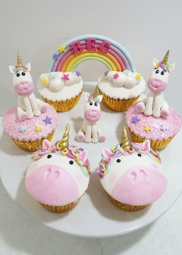 Cupcakes decorados con fondant con cara y figura de unicornio en la parte superior   – Zenna 7