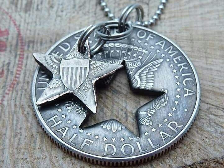 www.muenzenringe.de Einen halben US-Dollar als Medaillon 😁 #ring #coin #coinring #liberty #dollar #usa #unitedstates #amerika #jewelery #insta #handmade #graft #beauty #fashion #style #schmuck #silver #perfekt #chic #clam #necklace #breclet #brecelet #happy #dawanda #unikat #medallion #collier
