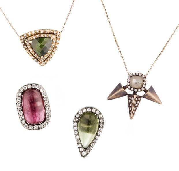Pingente triângulo turmalina verde com brilhantes (R$ 2.850), Pingente Shanti com brilhantes (R$ 5.660), Brincos turmalinas com brilhantes (...