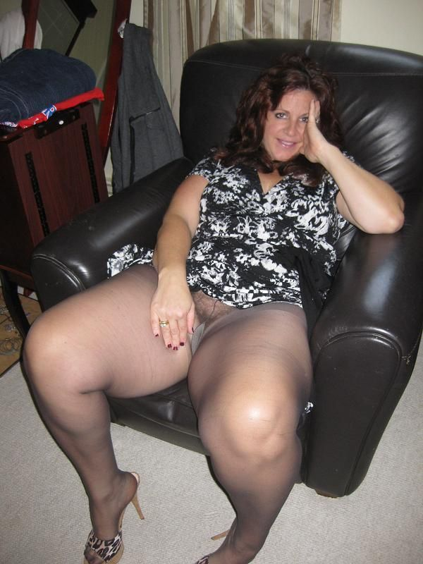 Xxl Sexy Moms In Nylons 85