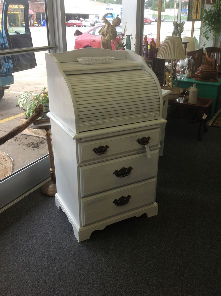 Small roll top desk. White calcite paint and white stain. Reliks.net