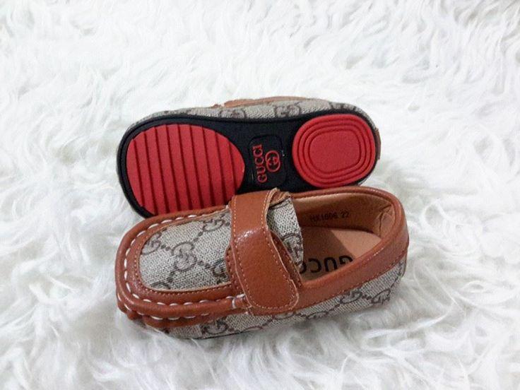 sepatu baby gucci import hongkong  type HX1006-591 ukuran 22- 27 harga @195  ukuran standar 22 panjang alas dalam 13,5 cm 23 -------------------------------- 14 cm 24 -------------------------------- 14,5 cm 25 -------------------------------- 15 cm 26 -------------------------------- 15,5 cm 27 -------------------------------- 17 cm  pemesanan harap cantumkan ukuran, warna dan gambar  peminat serius hub hp/wa/line 087825743622