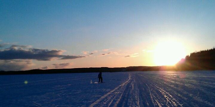 Skiing on lake Päijänne 28.3.13