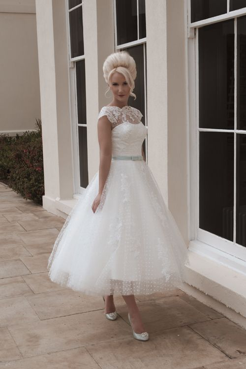 Beautiful, elegant, timeless and yours- Wedding dress