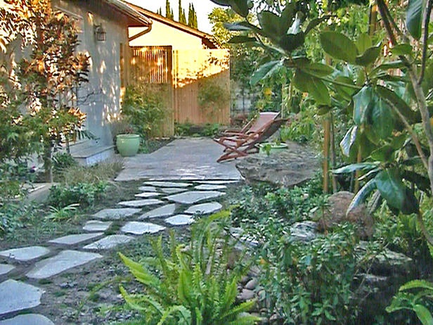 43 best walkways images on pinterest driveways for Japanese garden path design