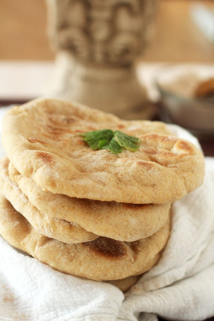 Whole Wheat Pita Bread - Yummy, healthy and tasty! Perfect for pizza or to use as pita chips.