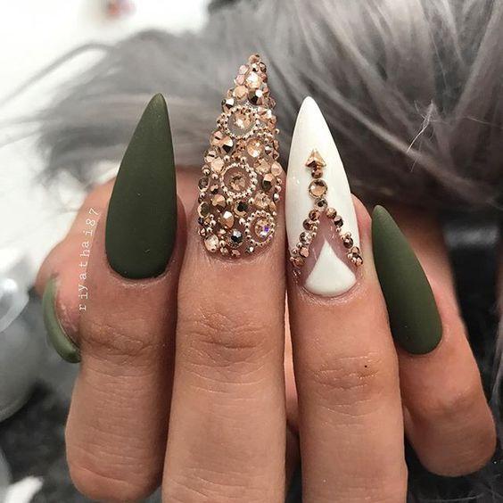 70+ Trendy and Unique Stiletto Nail Art Designs – Makeup