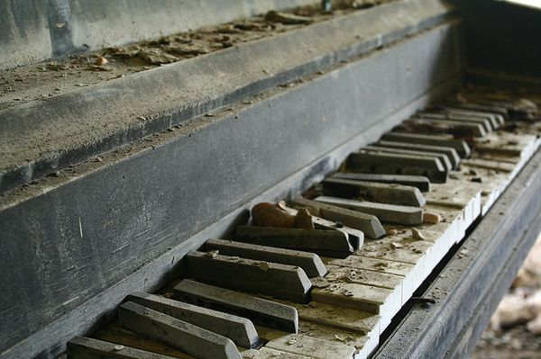 This picture of a decayed piano shows decay within household objects. I like the textures of the dust and ruins. This image could imply that the more you use and object the bigger the ruin.