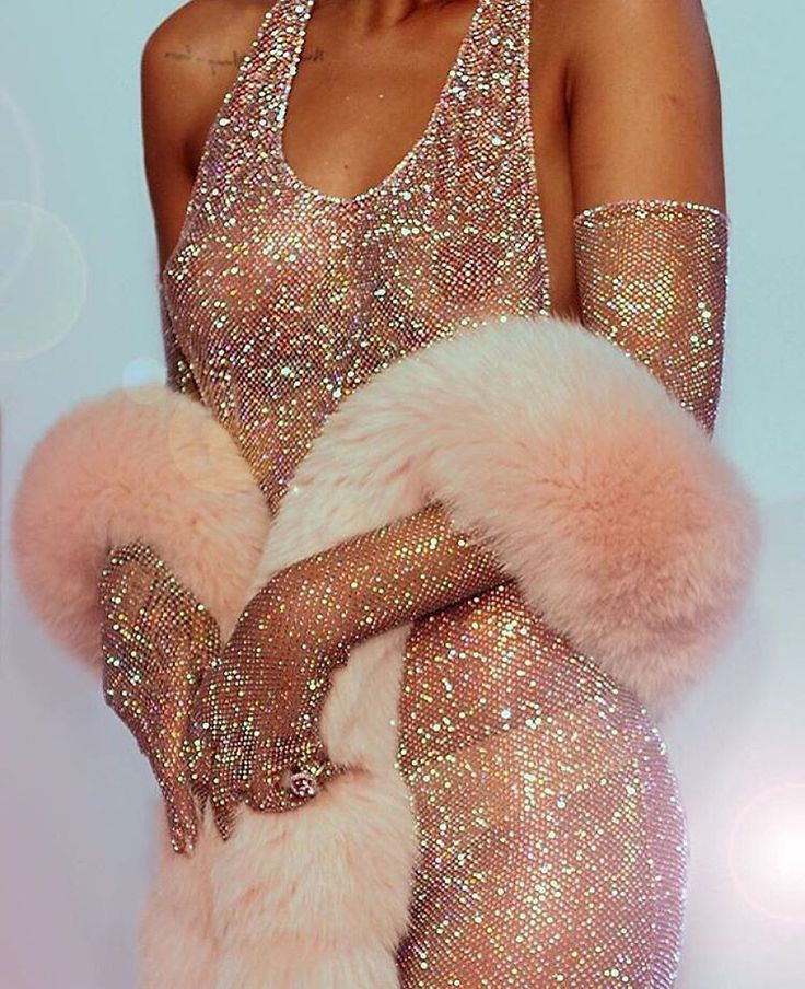 """So, what's everyone wearing tonight?"" #ValentinesDay #Rihanna #pinkfur♡➳ Pinterest: miabutler ♕☾♡"