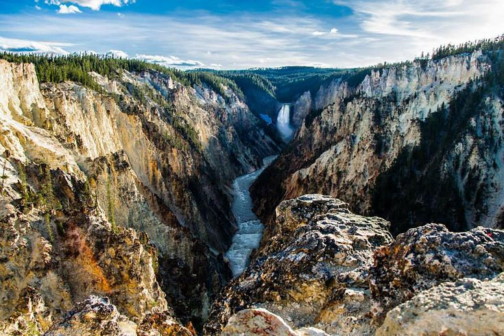 day at Artist Point Yellowstone National Park