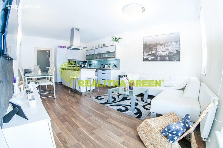 Byt 2+kk 63 m² k prodeji Plesníkova, Zlín; 2500000 Kč (cena k jednání), terasa, výtah, cihlová stavba, osobní vlastnictví, ve velmi dobrém stavu.