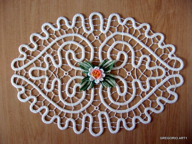 """MACRAME 'ROMANIAN - POINT LACE: """"Hearts in SYMBIOSIS"""""""