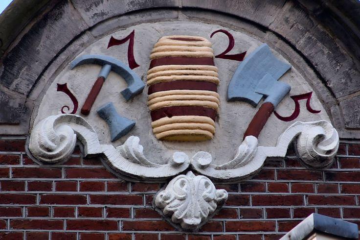 Fronton Driehoekstraat Amsterdam. Photo by Pancras van der Vlist.