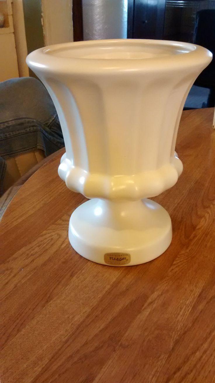 17 Best Images About Haeger Pottery On Pinterest Ceramics Ceramic Vase And Pedestal