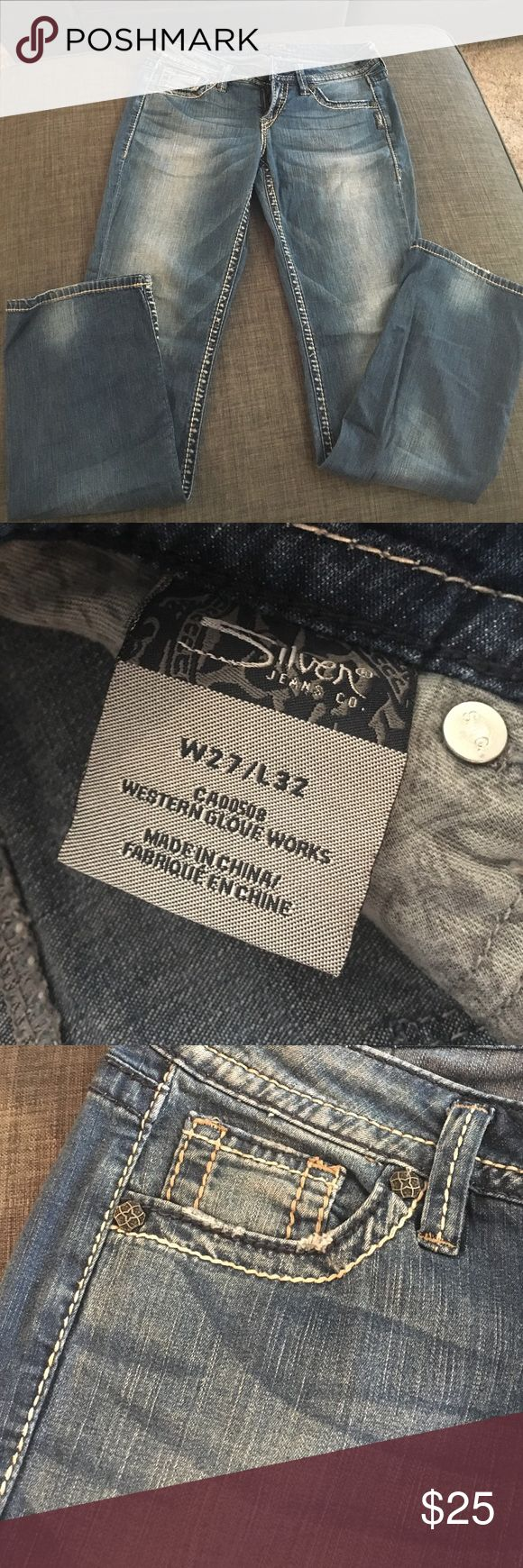 Women's Silver Jeans size 27 Silver Jeans size 27. Lola style length 32. Beautiful back pockets and in good condition. Silver Jeans Pants Straight Leg