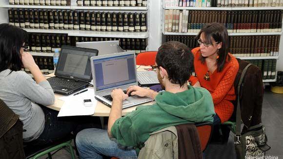Segunda lista estudios de grado  http://www.um.es/web/vic-estudios/contenido/grados/preinscripcion