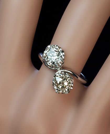 Vintage 3 Ct Diamond Bypass Ring in White Gold 1920's