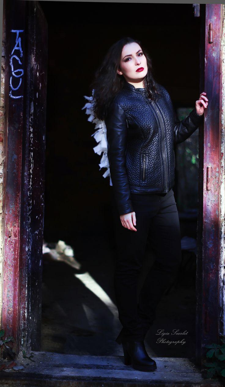 https://flic.kr/p/A7E4KW | 'The angel' | Model: Marina Make-up: Marina Teodora Photo assistant: Claudia Photo & edit & concept: Ligia Scarlet  #fantasyphotos #angel