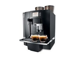 Jura Giga X8 Speed - With the power of three thermal units and three pumps, this automatic coffee machine prepares all speciality coffees, milk doubles with optimum quality at the touch of its elegant controls