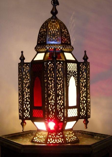 1000 id es sur le th me lanternes marocaines sur pinterest. Black Bedroom Furniture Sets. Home Design Ideas