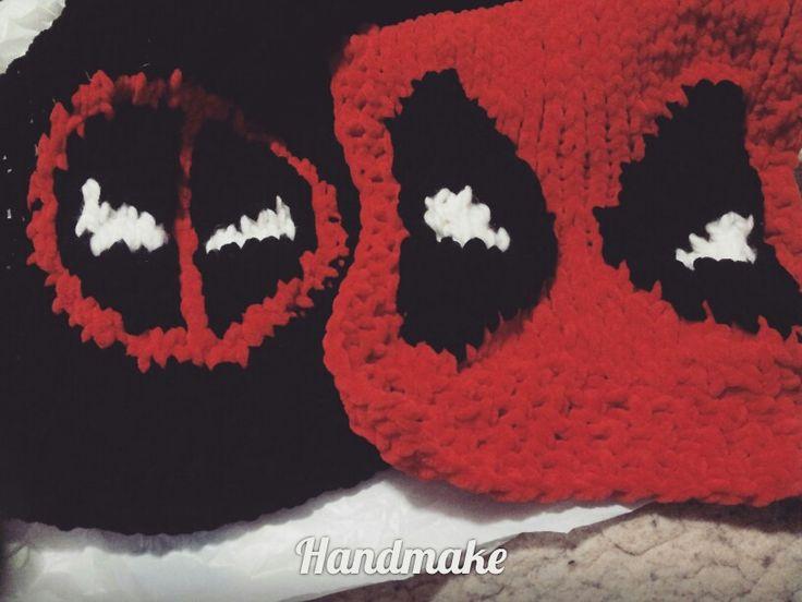 Плюшевый шарф Дэдпул Deadpool scarf  #handmake #handmade #knittersofinstagram #knitting #Deadpool #marvel #marvelcomics #marveluniverce  #scarf #acsessories #red #winter #autumn #gift #etsy #etsyfind #шарф #аксессуар #зима #подарок #ручнаяработа #красный #дэдпул #марвел