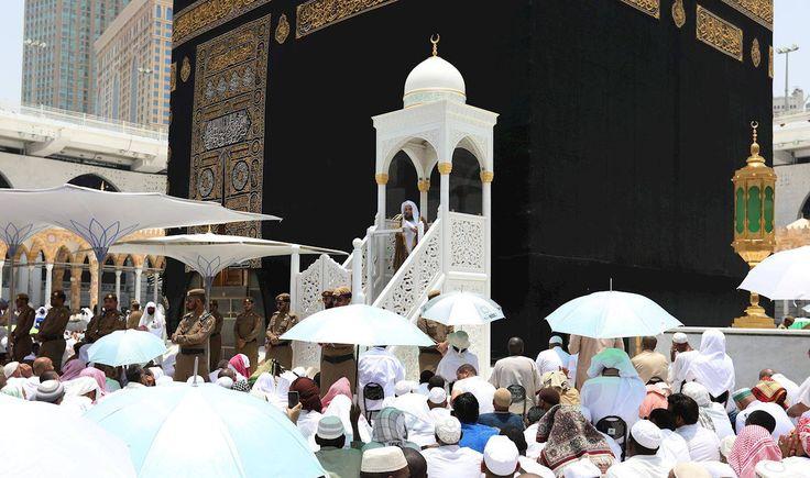 Beautiful view of #HolyKabah during #Jummah #Prayer..... #MASHAALLAH  #JummahMubarak #Makkah #Kaaba #Islam #Muslims #Quran #Salah #Umrah #Hajj