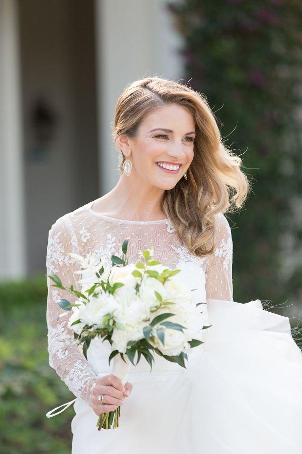 Modern Bridal Hair   Charlie Juliet Photography on @eadweddings via @aislesociety