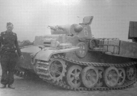 """Panzer 2 Ausf F """"Luchs"""" fast recon tank"""