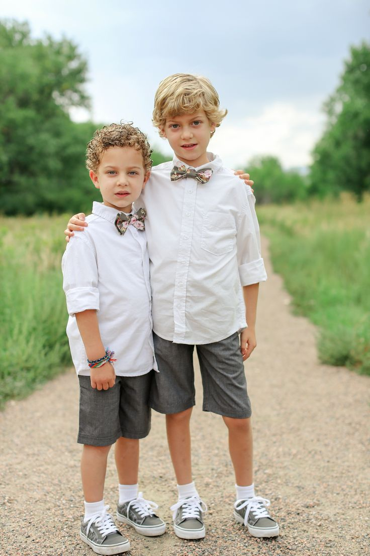 Simple Ring Bearer Attire | Laura Murray Photography | Theknot.com