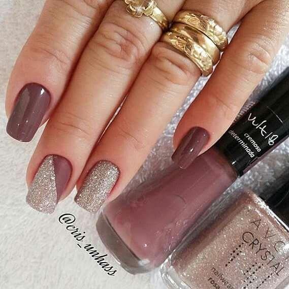 Unhas lindas com glitter.❤